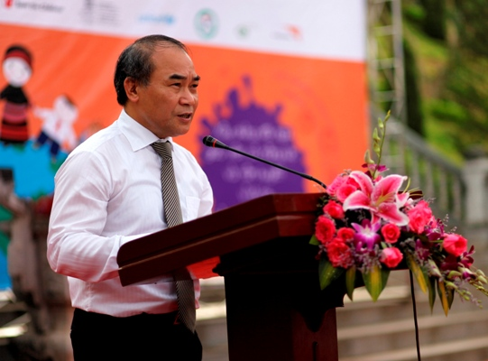 Thứ trưởng Bộ GD&ĐT Nguyễn Vinh Hiển phát biểu tại buổi Lễ. Ảnh: KT